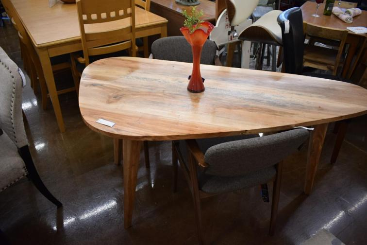 TS Dining table